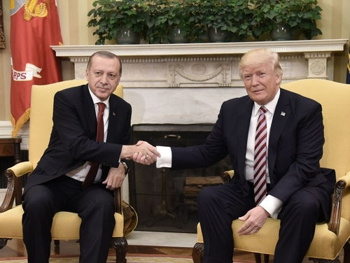 U.S. President Donald Trump, right, shakes hands with Turkish President Recep Tayyip Erdogan during a meeting in the White House on May 16, 2017. (Olivier Douliery/AFP via Getty Images)