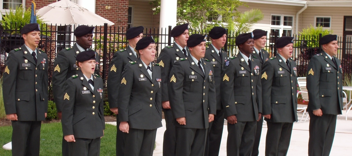 a53e038a09c The end of the Green Service Uniform  1954-2015