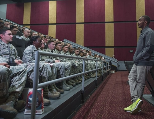 Actor Anthony Mackie addresses airmen at a movie theater in Hampton, Virginia. (Senior Airman Kayla Newman/Air Force)
