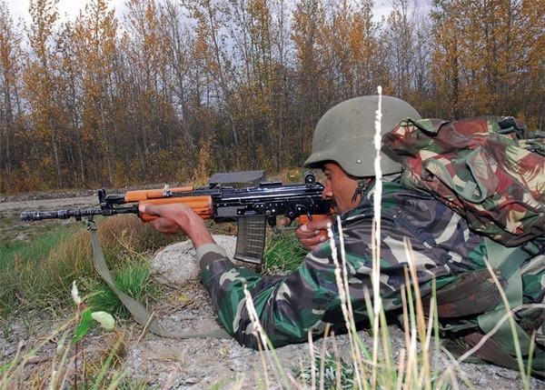 An Indian soldier with the INSAS assault rifle during a joint training exercise with the US military (DoD photo by Pvt. Howard Kettler