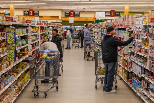 Customers shop in the Fort Benning, Ga., commissary. (Patrick Albright/Fort Benning)
