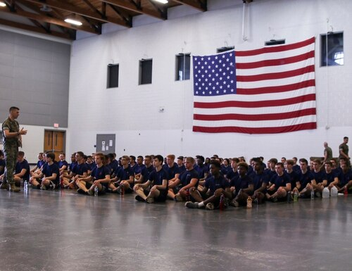 A Marine officer talks to future Marines during a shipper's validation in Smyrna, Tennessee, May 13, 2017. (Sgt. Mandaline Hatch/Marine Corps)