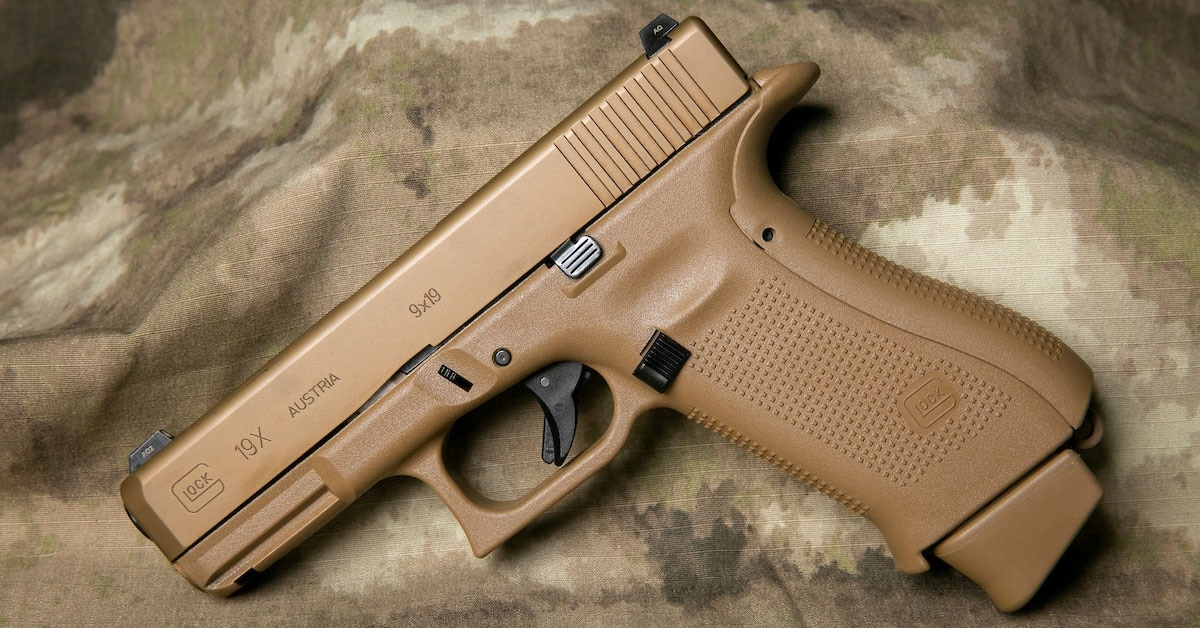 I cheated on my M&P for 3 months with a Glock 19X — and I