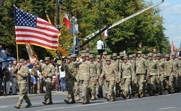 Us Army Commander In Europe Honored On Poland S Army Day